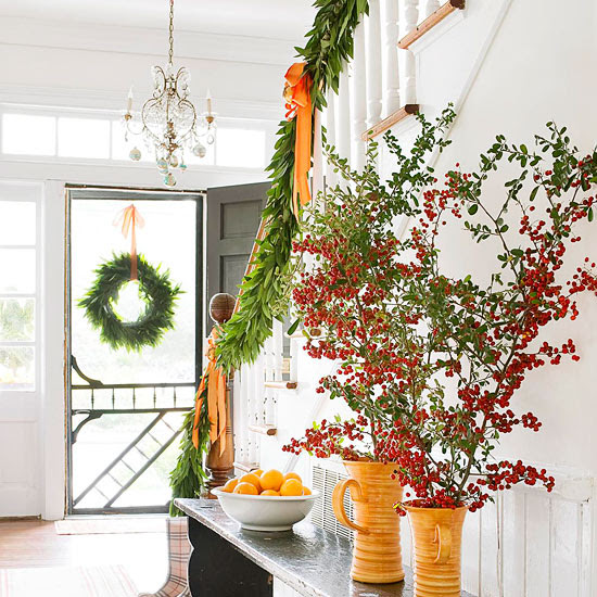 71 Awesome Christmas Stairs Decoration Ideas - 12 - Pelfind