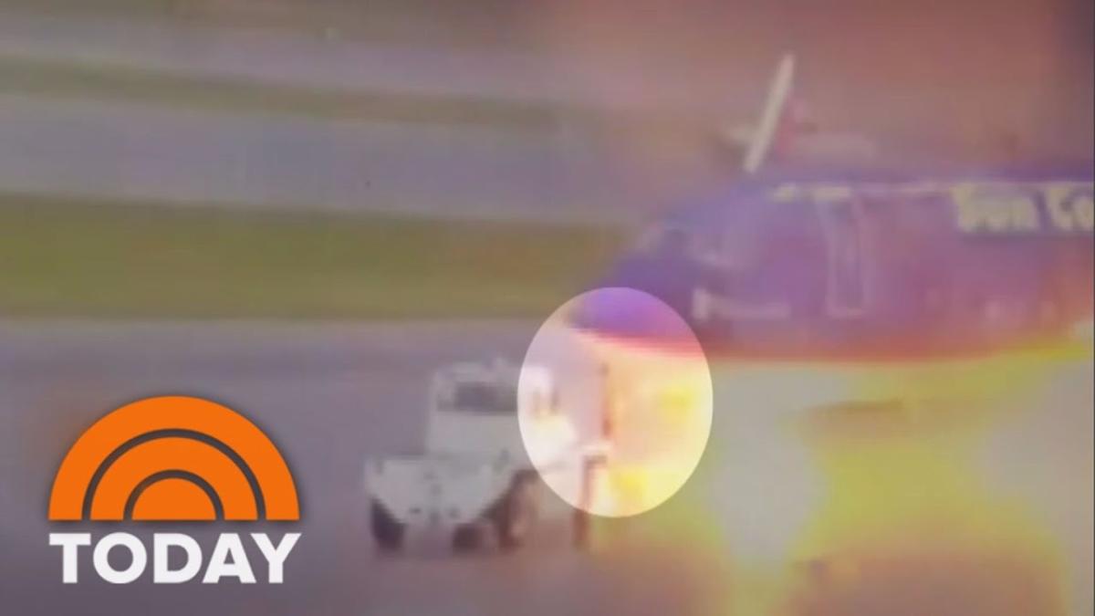 El accidente grabado por las cámaras del aeropuerto.