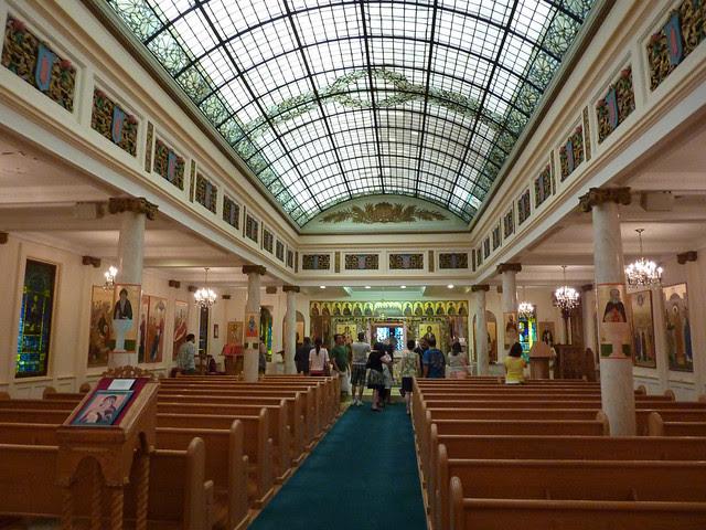 P1080712-2012-05-20-St-John-Chrysostom-Melkite-Church-Atlanta-sanctuary-full