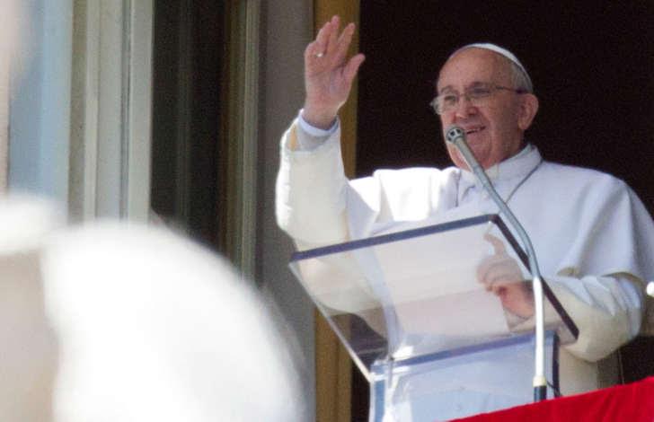 O papa Francisco destacou neste domingo, Dia Internacional da Mulher, a importância da presença das mulheres nas sociedades atuais.