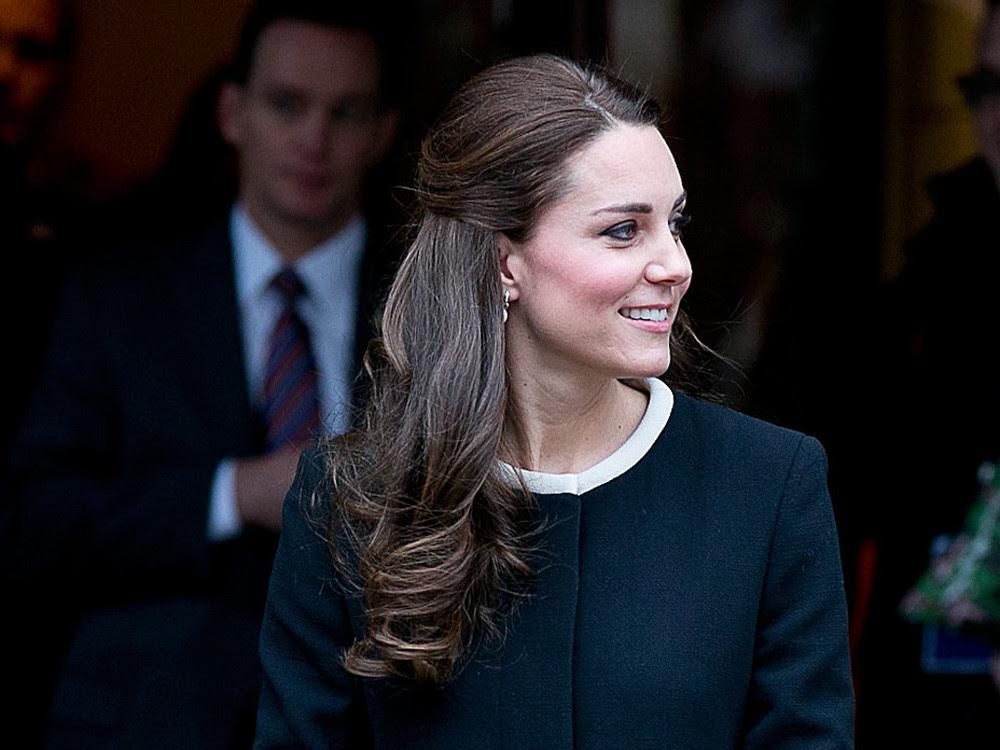 Styling Trend Half Up Hair So Gelingt Ihnen Herzogin Kates