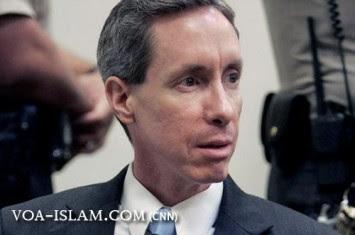 http://www.voa-islam.com/timthumb.php?src=/photos2/Azka/Pendeta-Warren-jeffs-skandal-sek.jpg&h=235&w=355&zc=1