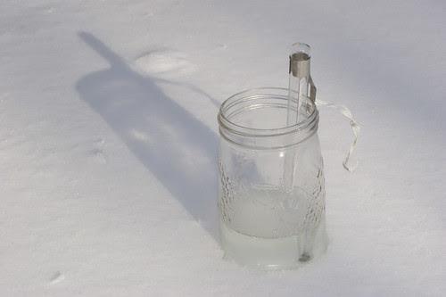 lye in snow