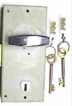 Outils sp ciaux professionnels pour services de serrurerie - Comment reboucher une porte ...