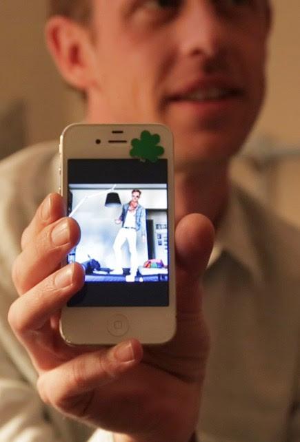 LOOKING FOR ? : gros plan sur le doc dédié aux applications de rencontres gay