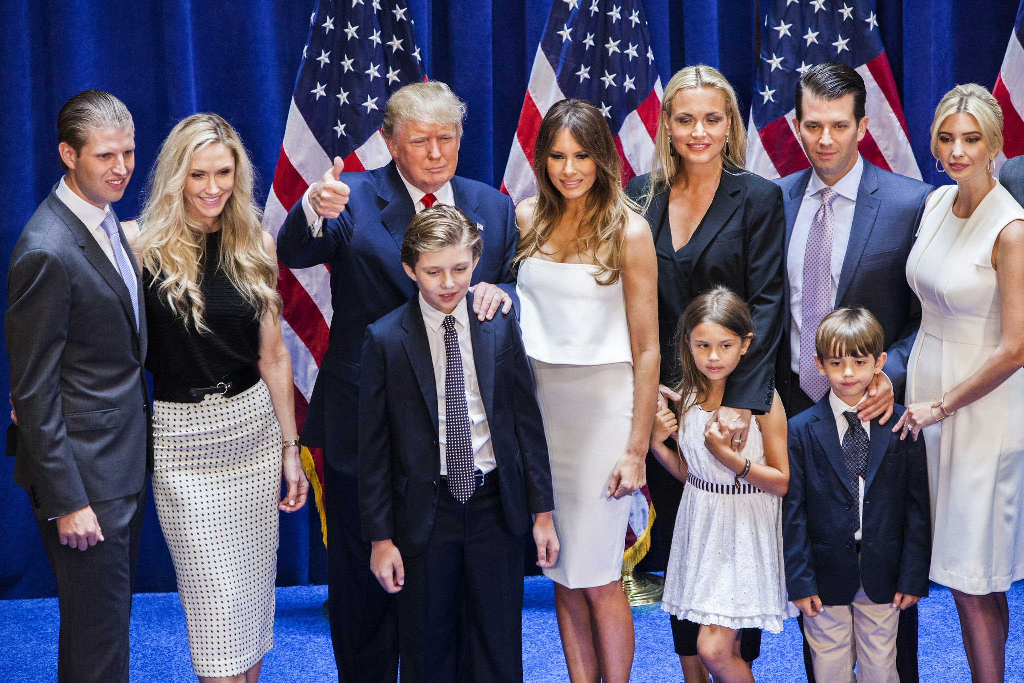 http://www.trbimg.com/img-5580a54d/turbine/la-donald-trump-poses-with-family-after-candidacy-announcement-20150616