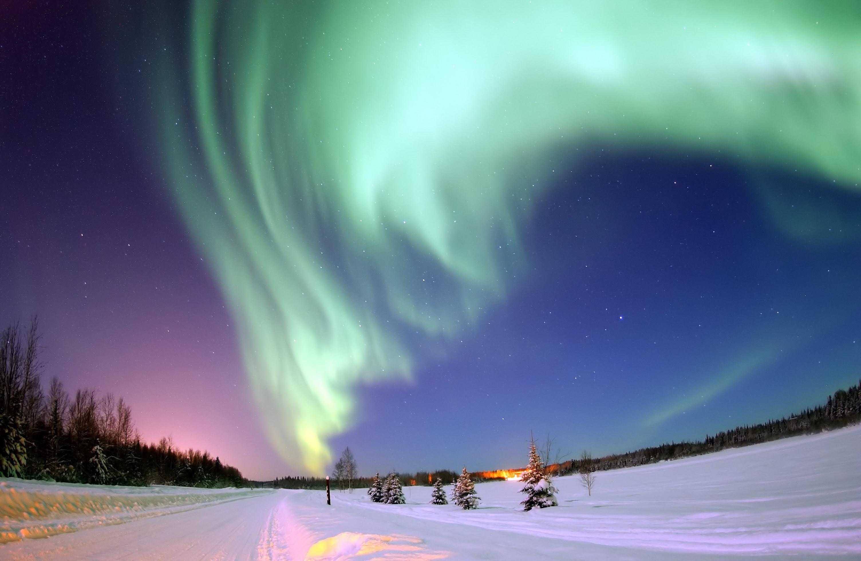 Radiación electromagnética del plasma de la magnetosfera en el polo norte