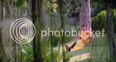 http://i298.photobucket.com/albums/mm253/blogspot_images/Unnai%20Ninaithu/PDVD_018.jpg