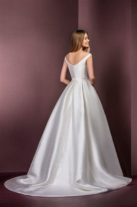 1000  ideas about Silk Wedding Dresses on Pinterest
