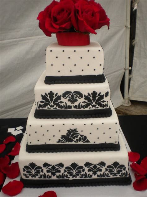 Black White And Red Damask Wedding Cake   CakeCentral.com