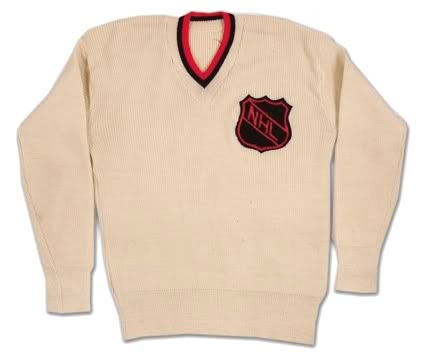 NHL referee 1940's jersey photo NHLreferee1940sjersey.jpg