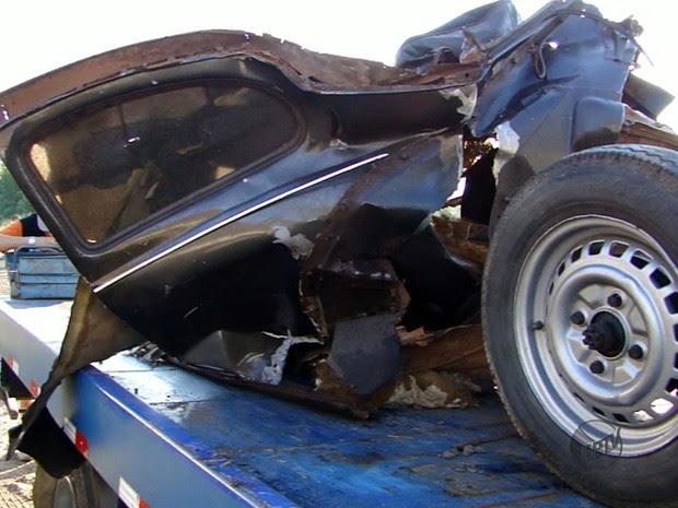 Acidente entre carreta e carro deixa um morto na MG-050 (Foto: Reprodução EPTV)