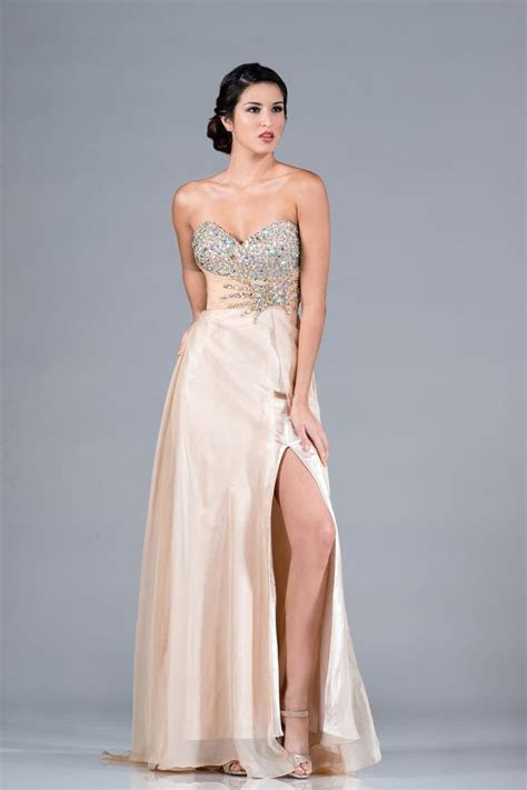 beautiful elegant long formal gown prom fashionable