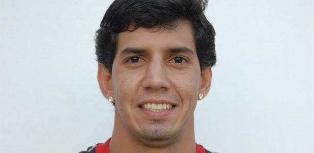 Victor Ramos, zagueiro do Vitória