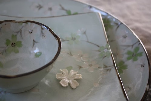 Green Cherry Blossom Dishes