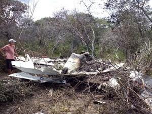Avião de pequeno porte explodiu durante queda em Assunção do Piauí (Foto: Caetano Silva/Assuncaolivre.com)