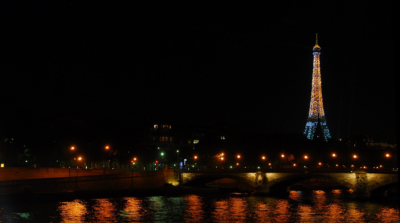 Near Grand Palais bridge