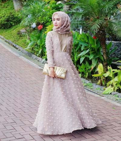 Baju Untuk Kondangan Wanita Hijab Simple - Model Hijab Terbaru