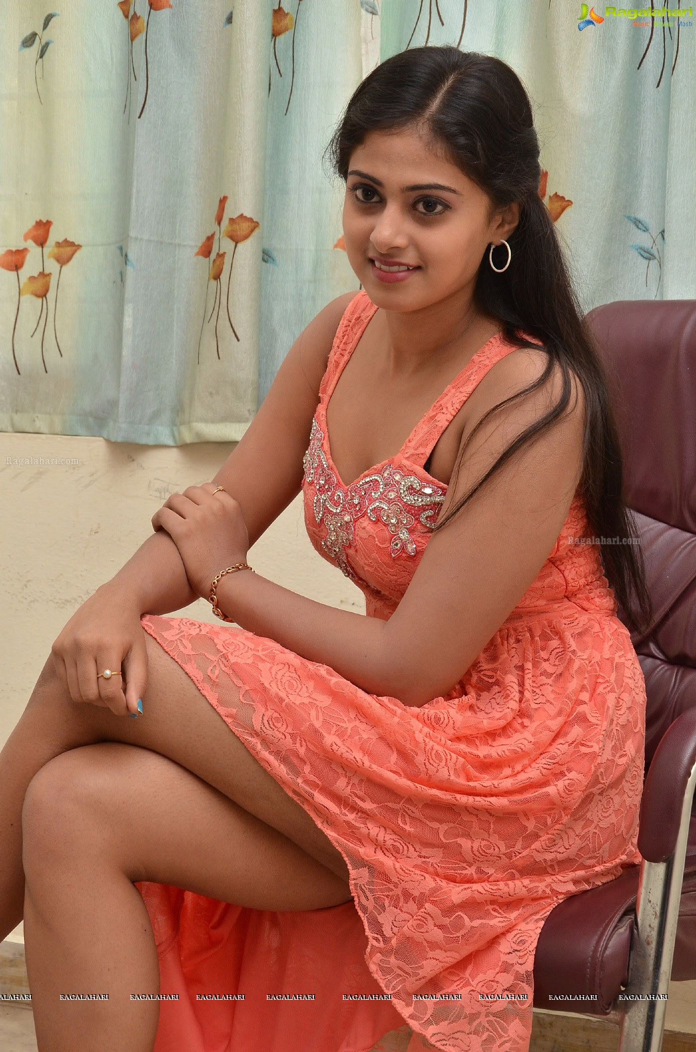 Megha Shree Sexy Legs - HD Latest Tamil Actress, Telugu