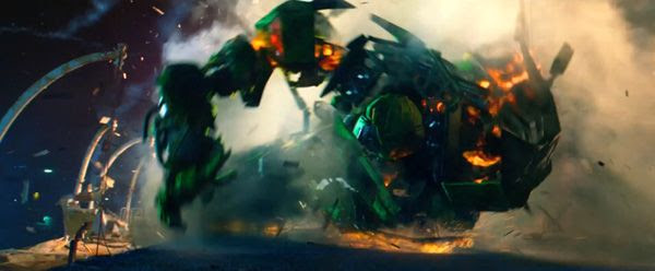 Ratchet is hunted down by humans and alien bounty hunters alike in TRANSFORMERS: AGE OF EXTINCTION.