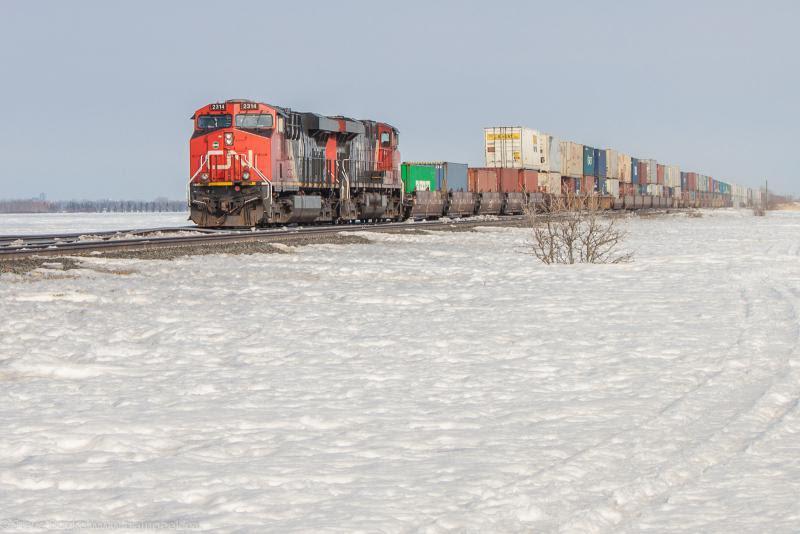 CN 2314 outside Winnipeg