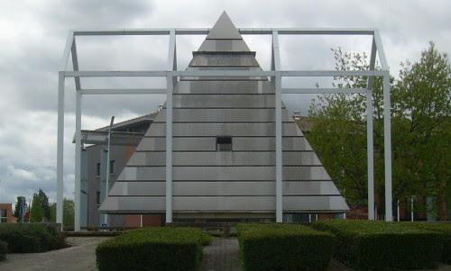place11 Sinister Sites   Illuminati Pyramid in Blagnac, France