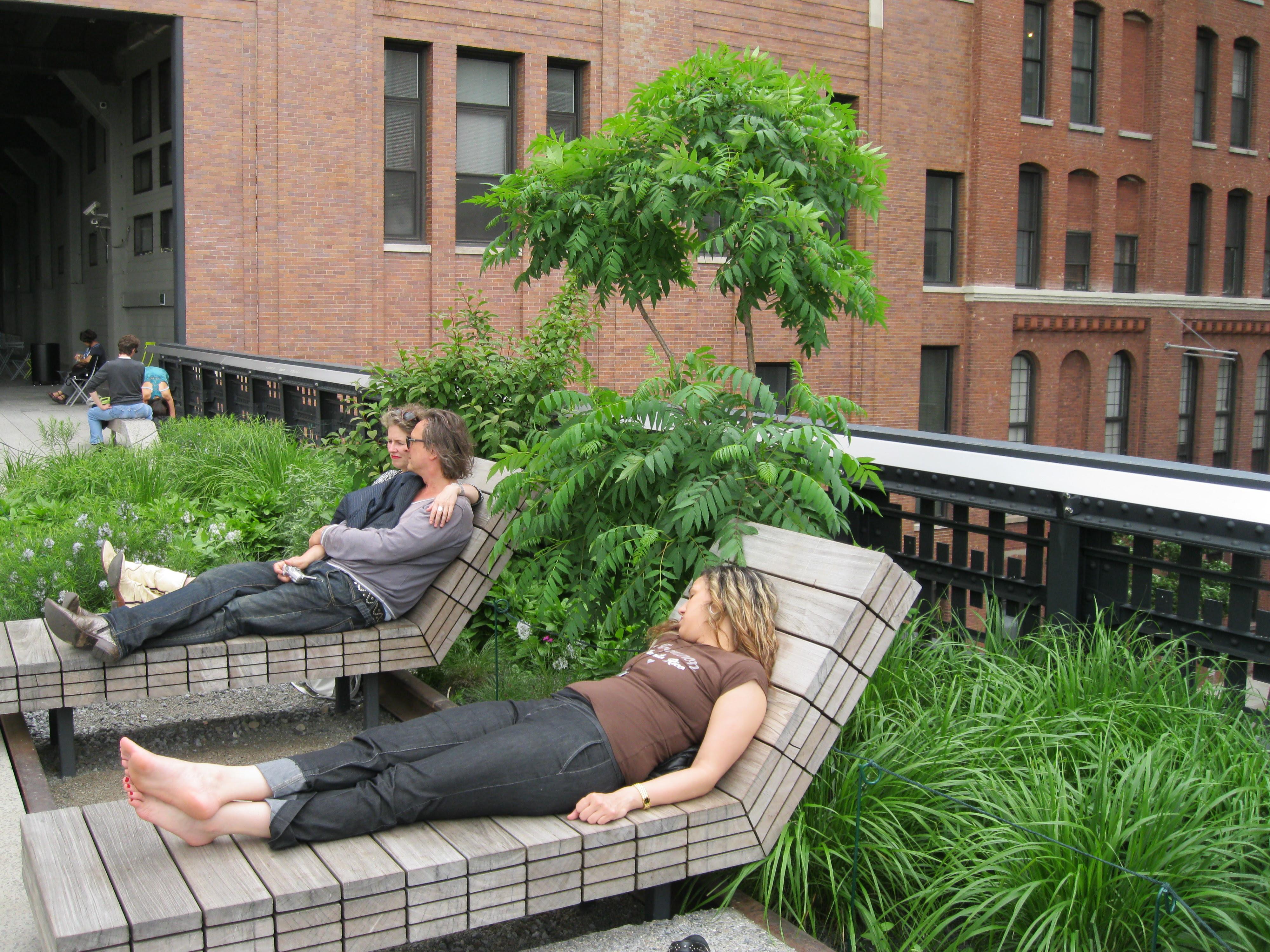 A Modern Hanging Garden | Adventuressetravels Blog