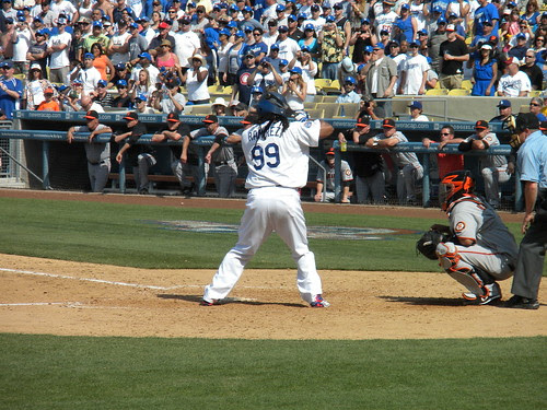 Manny hitting a home run!!! Dodger Game vs SF Giants, April 18, 2010