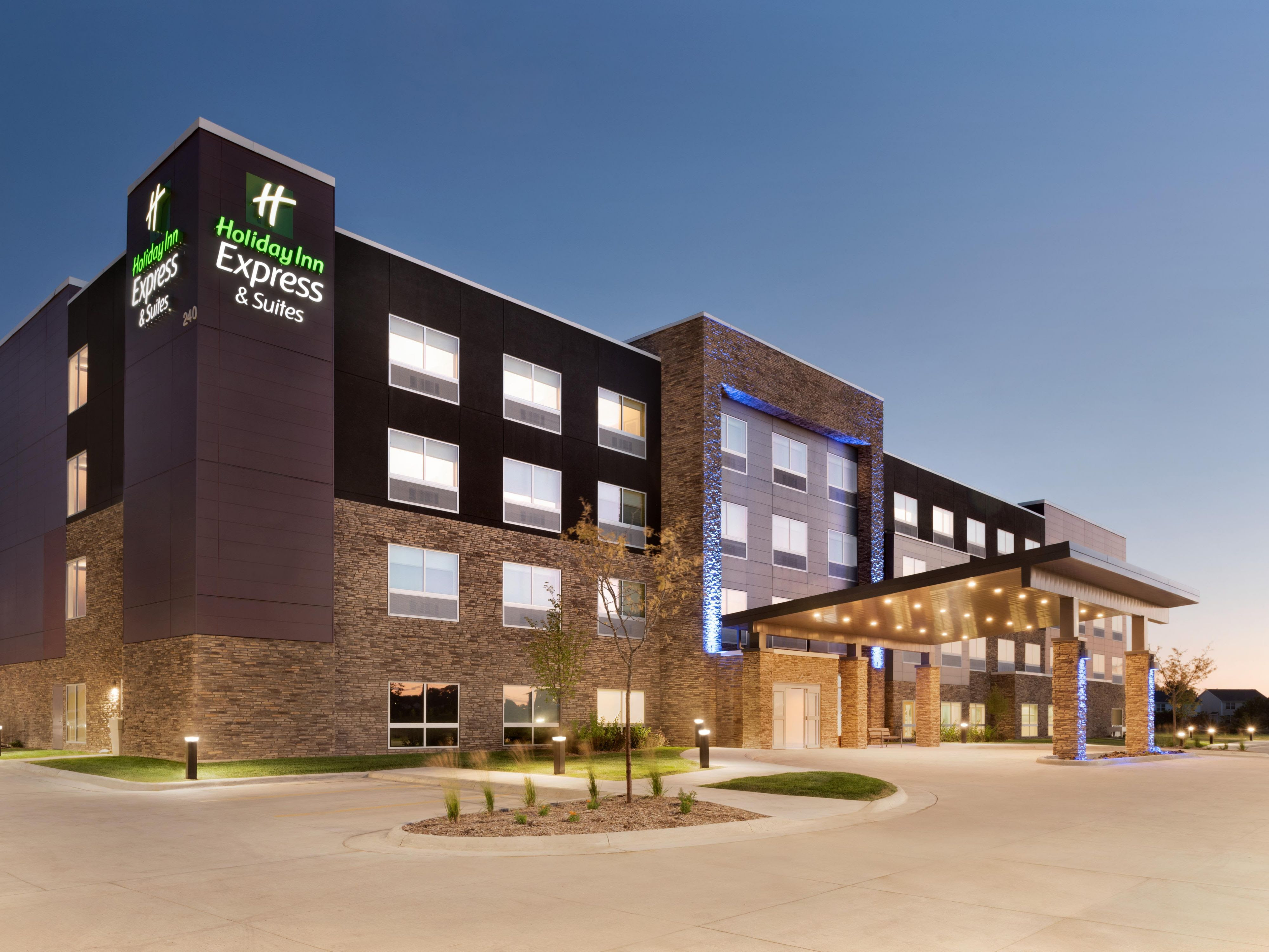 Best Hotels In Des Moines
