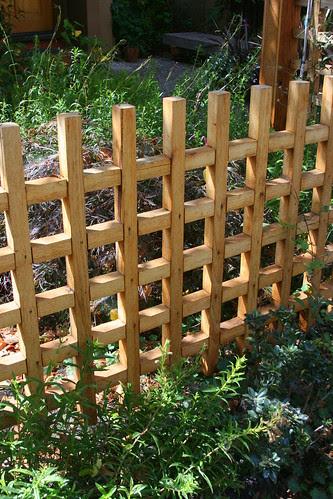 grid fence detail