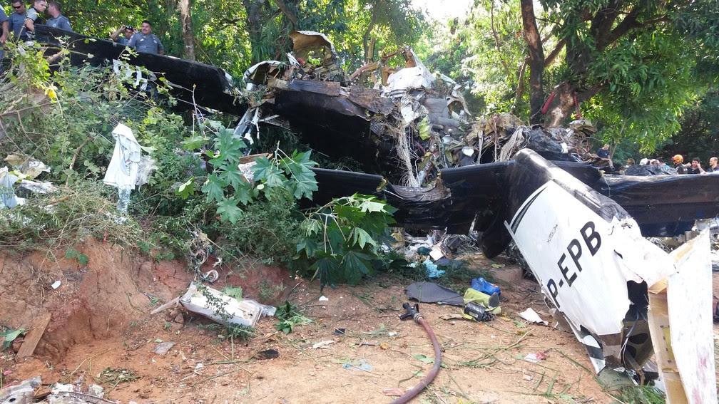 Avião de pequeno porte caiu no bairro Novo Horizonte em Sorocaba (Foto: Júlio Leite de Oliveira/Arquivo pessoal)