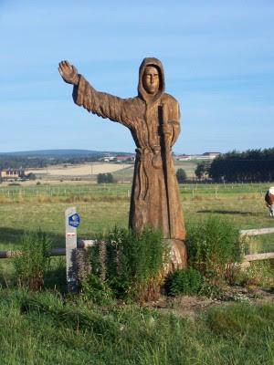 Sculpture à la sortie de Saugues