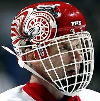 Hasek Red Wings 2002 photo Hasekhelmet.jpg