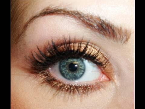 megan fox makeup look. How-To: Megan Fox/MAC Warm n#39;