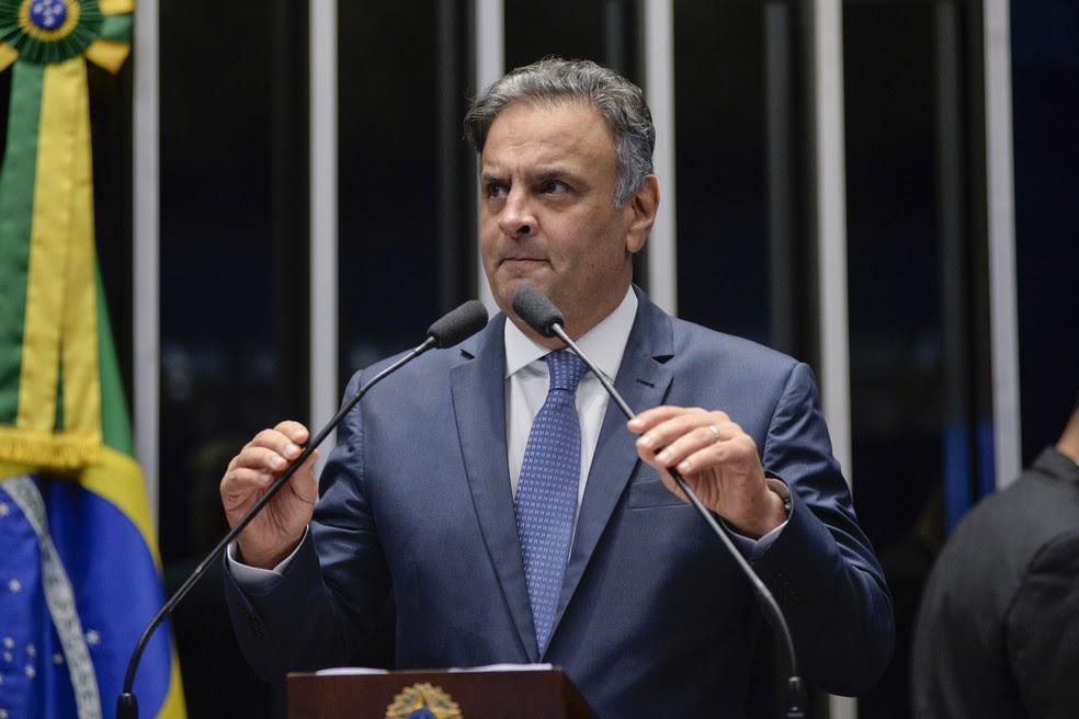 O senador Aécio Neves (PSDB-MG) durante discurso após retorno ao Senado (Foto: Jefferson Rudy/Agência Senado)