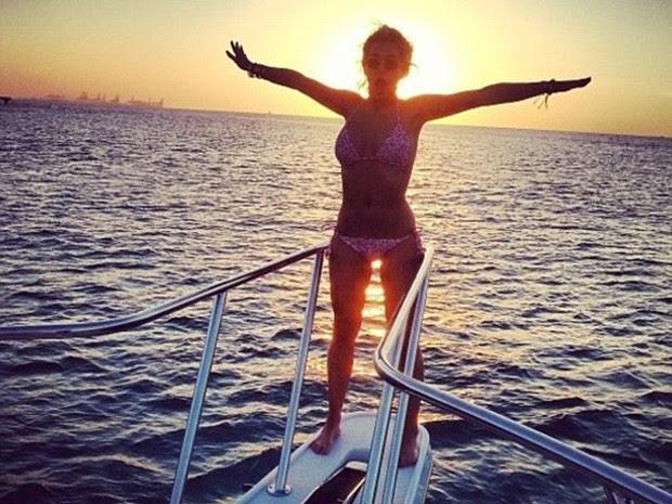 Rita Ora durante as férias (Foto: Reprodução Instagram)