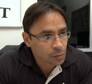 Delegado Roberto Larrat