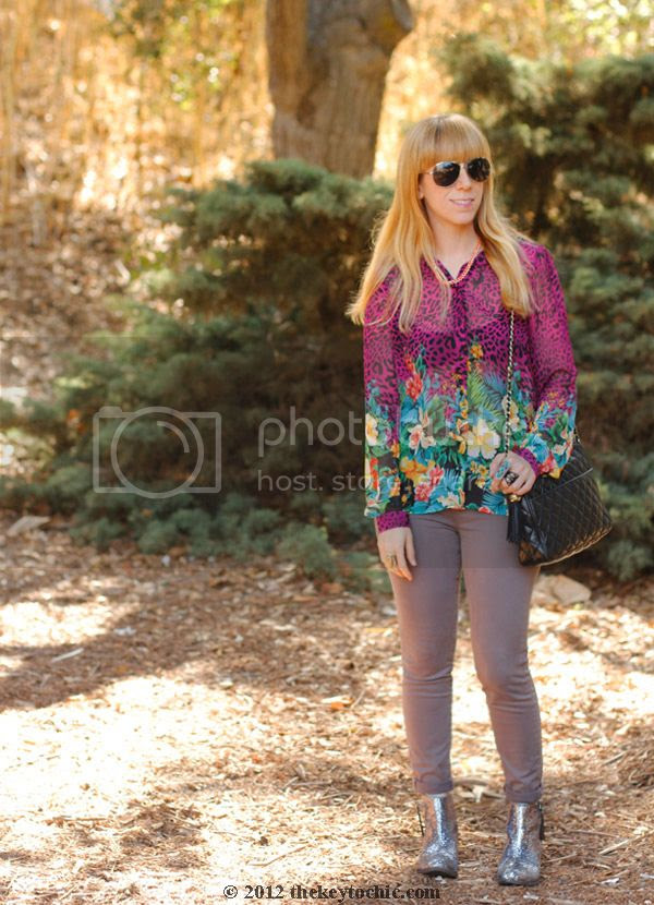 tropical print blouse, J Brand skinny jeans, glitter booties, Los Angeles fashion blog