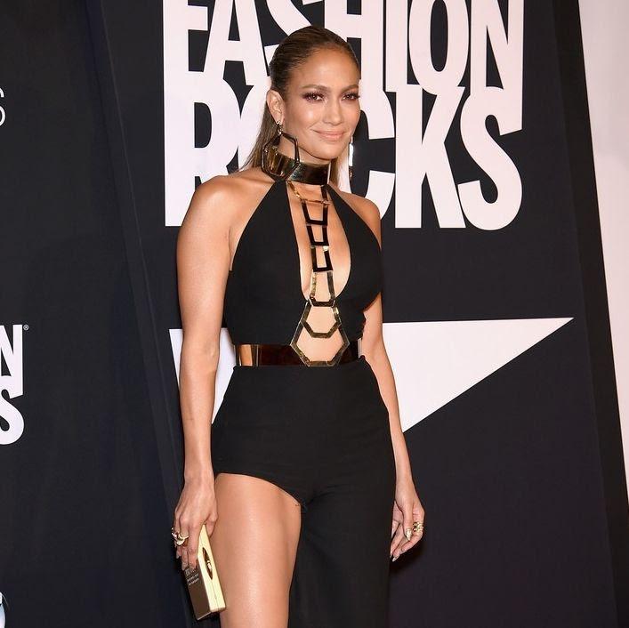 Jennifer Lopez : Fashion Rocks 2014 photo jennifer-lopez-sexy-leg-action-at-fashion-rocks-2014-01.jpg