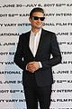 jeremy renner premieres wind river following double arm injury 03