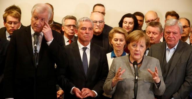 La canciller alemana y líder de la CDU, Angela Merkel, en una comparecencia ante la prensa tras fracasar las negociaciones para formar un nuevo gobierno germano. REUTERS/Hannibal Hanschke