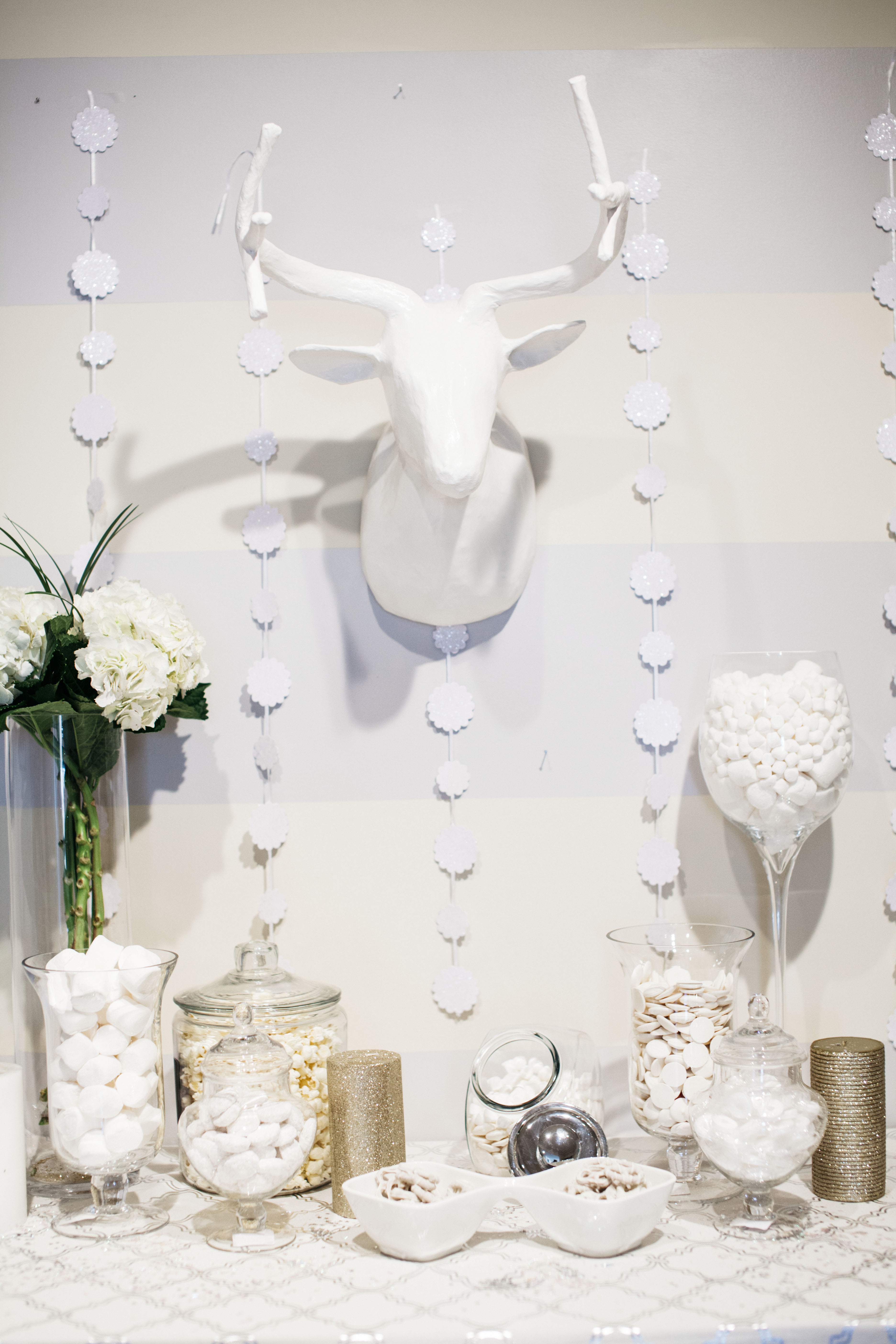 The Chic Series Winter White Party Decor