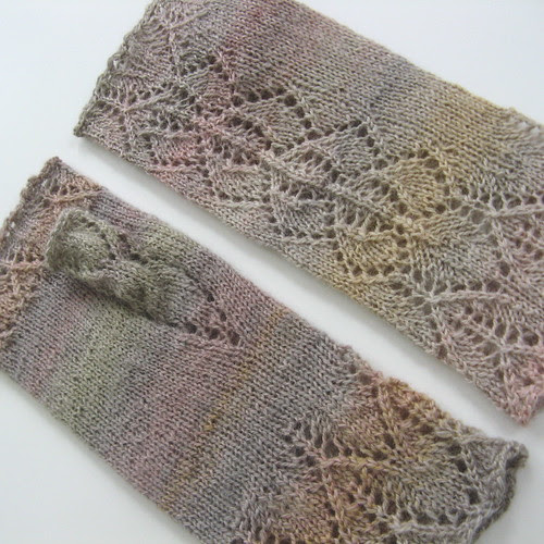 Orchid Lace Mitts