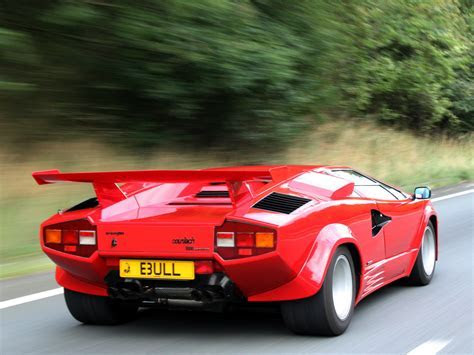 Classic Car Battle: Lamborghini Countach LP5000 vs The Ferrari Testarossa   Sports, Hip Hop