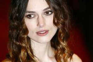 Keira Knightley addicted to nail paints