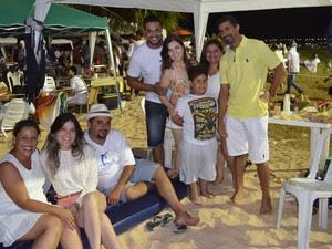 Pâmela Pedrebom e Sara Bertoldo vieram de Brasília para passar a noite de réveillon com amigos e parentes de João Pessoa (Foto: Frederico Martins/G1)