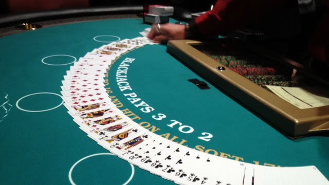 Live dealers take to tables at western NC casino - FOX Carolina 21