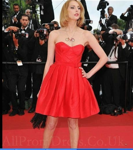 Short red carpet dresses