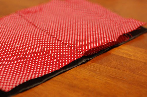 How to make a button pouch with two pockets 10