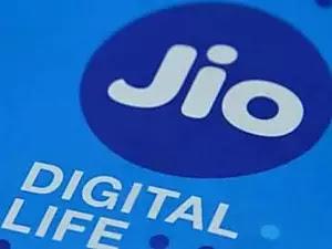 Telecom stocks fall after Jio cuts tariffs